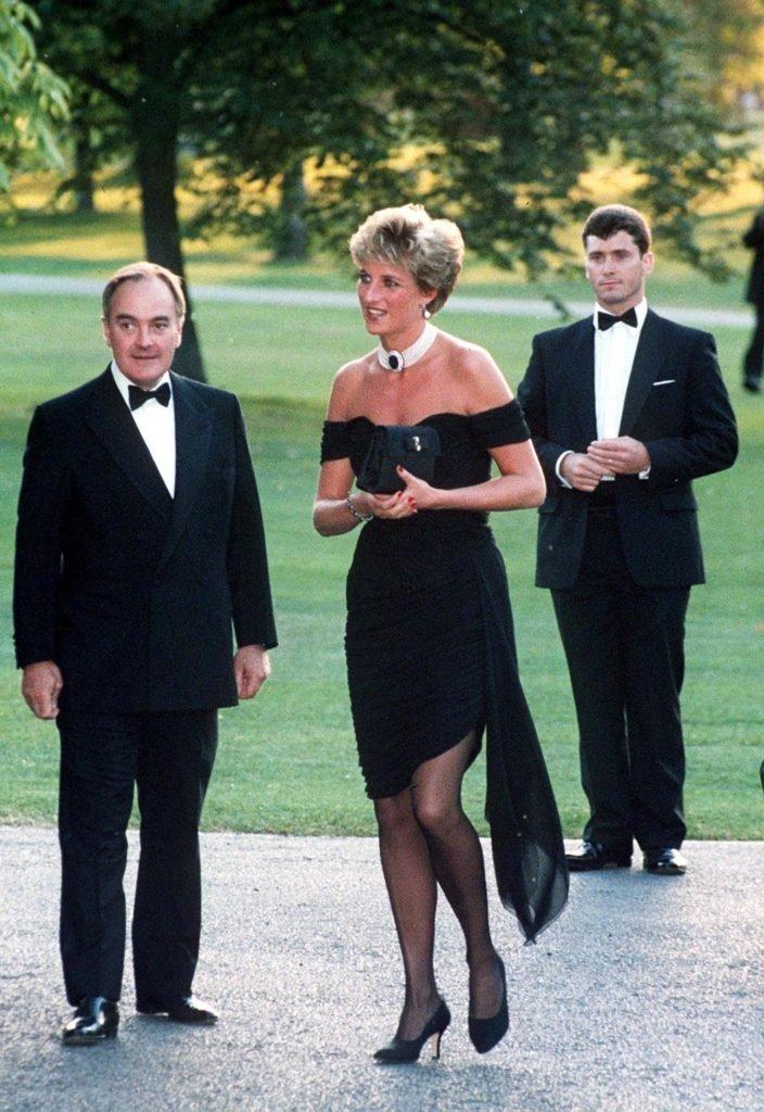Princeza Diana nosi malu crnu haljinu, Revenge dress