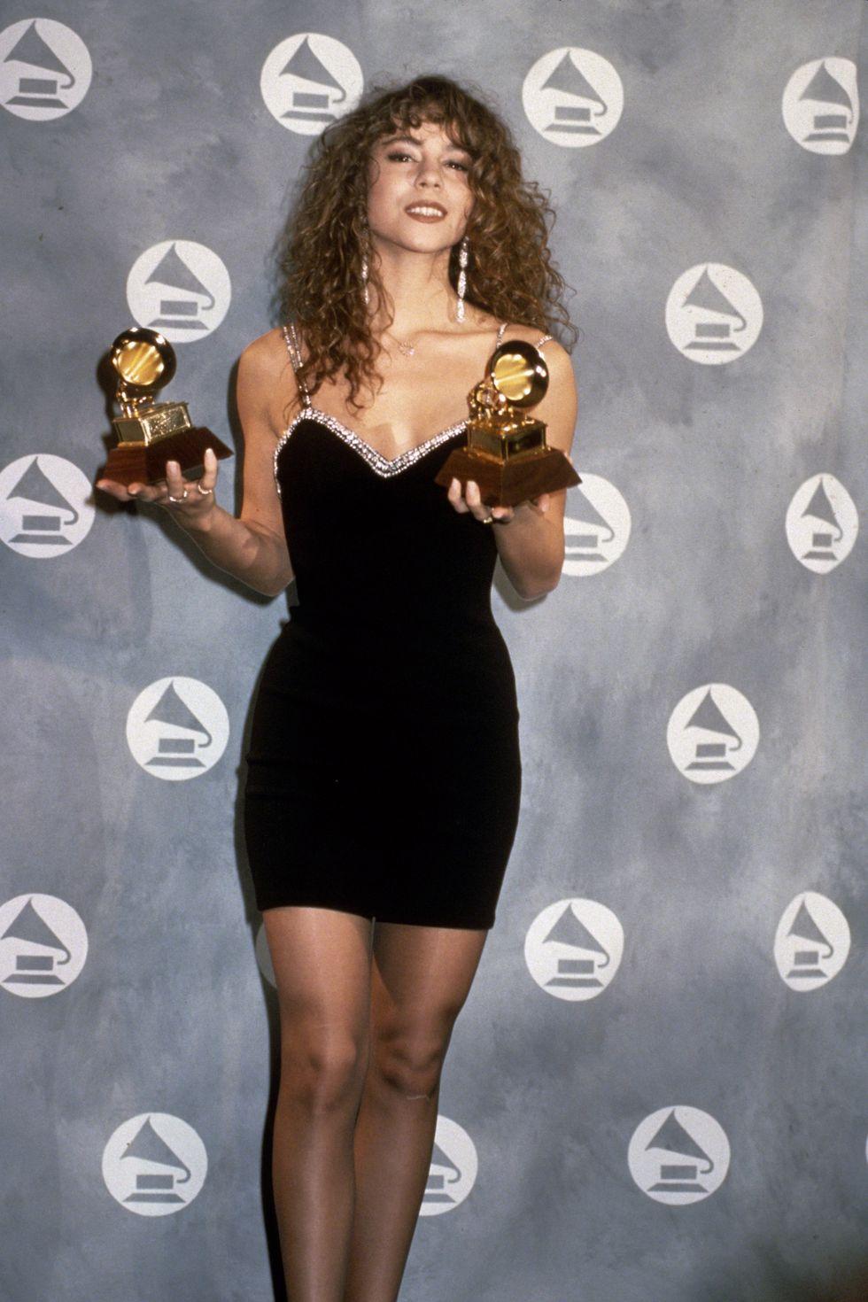 Mariah Carrey na dodjeli Emmyja nosi malu crnu haljinu